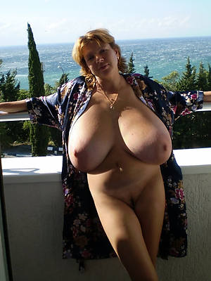 Large Women With Big Tits photo 21