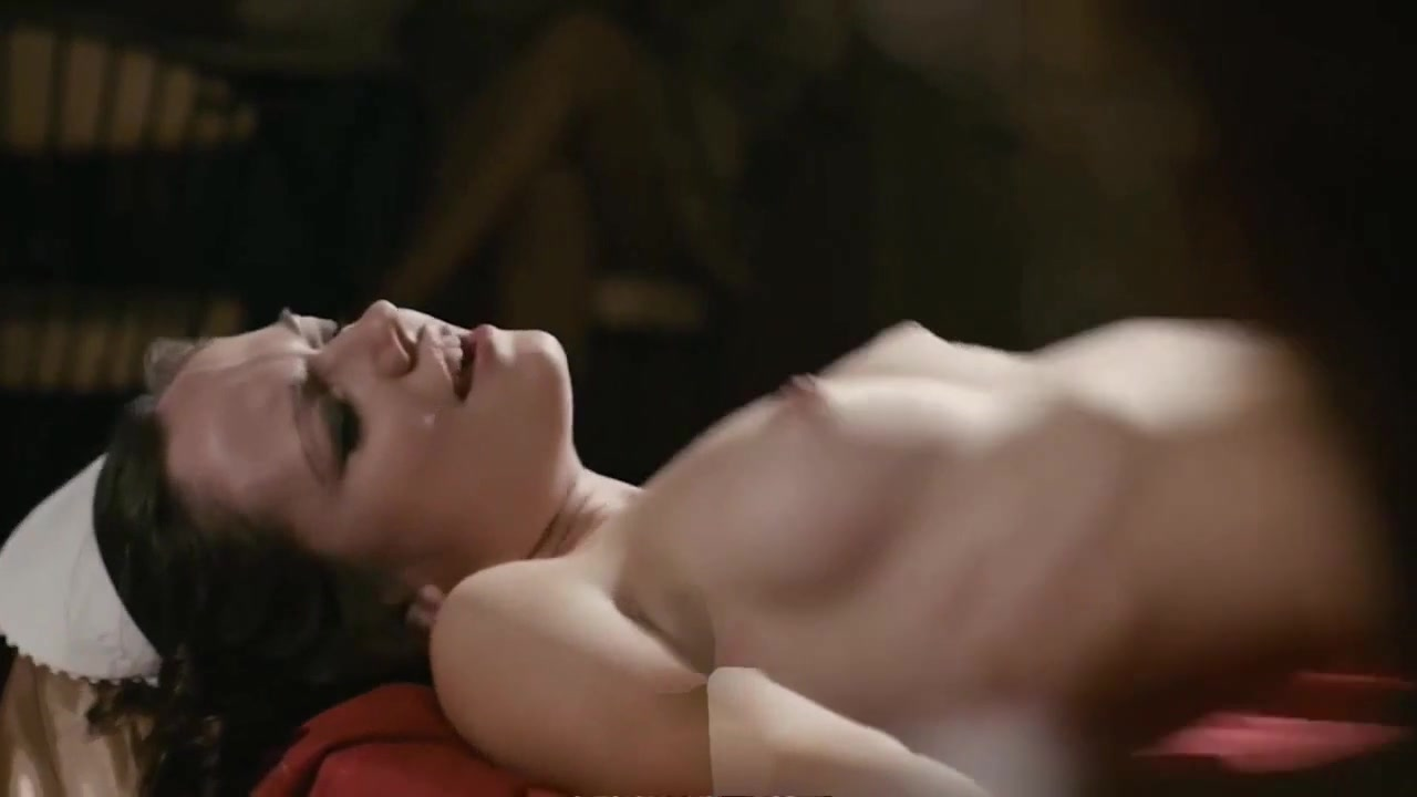 Emily Meade Topless photo 5