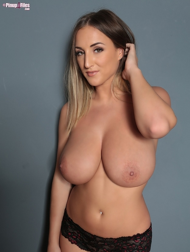 Stacey Poole Pinup Files photo 7