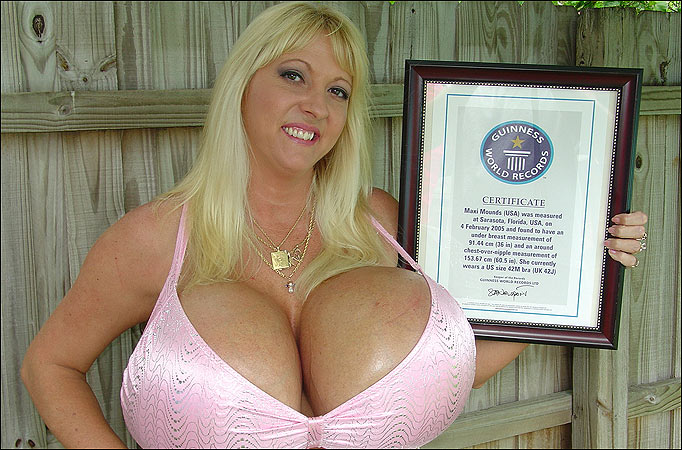 Who Has The Biggest Titties photo 6
