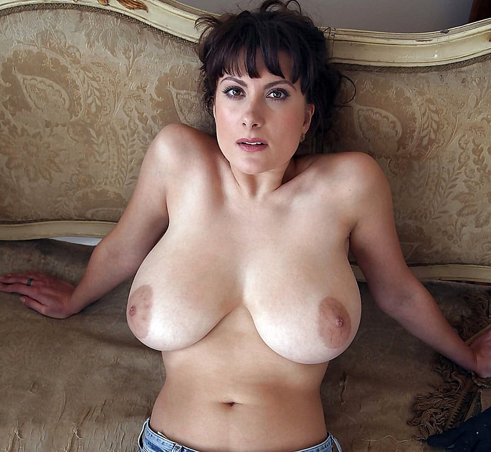 Women With Huge Boobs Nude photo 20