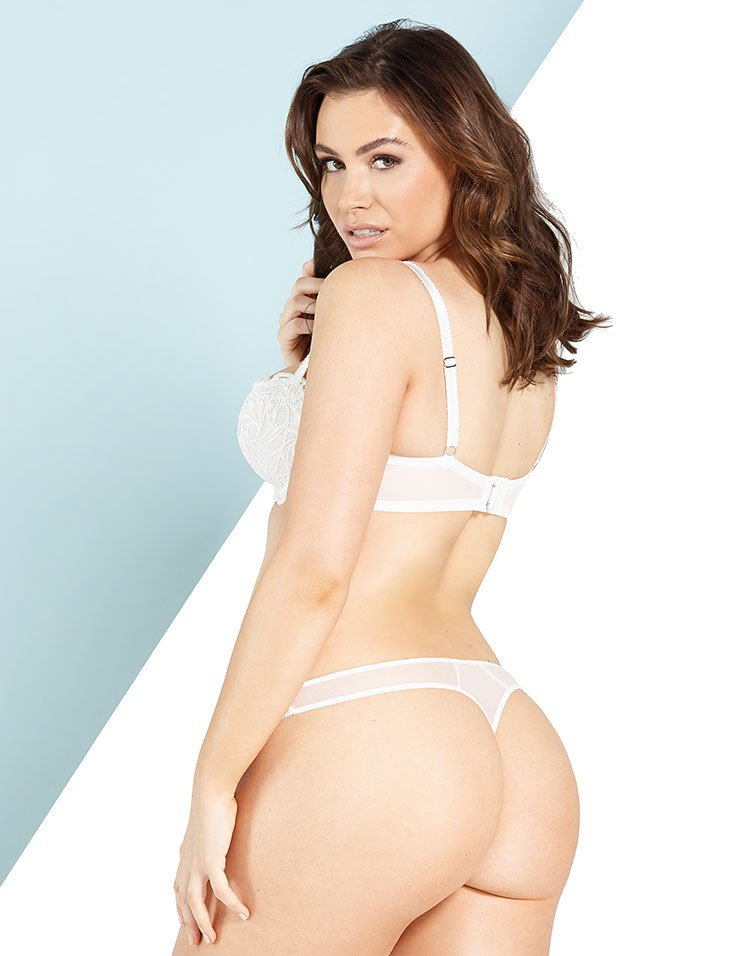 Sophie Simmons Breasts photo 13