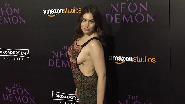 Sophie Simmons Breasts photo 30