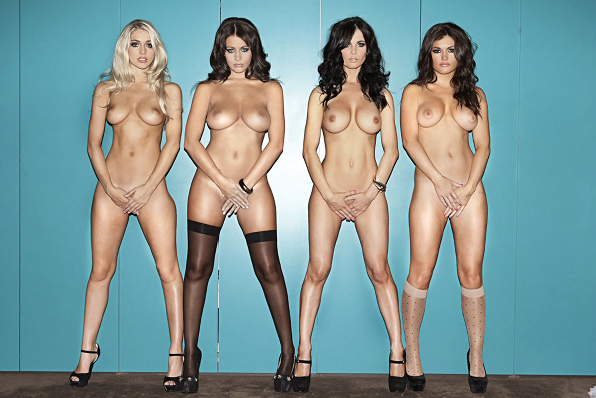 Holly Peers Naked photo 10