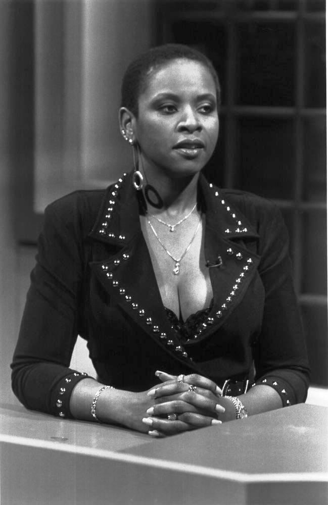 Robin Quivers Breasts photo 8
