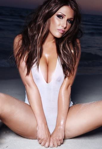 Lucy Pinder Cleavage photo 1