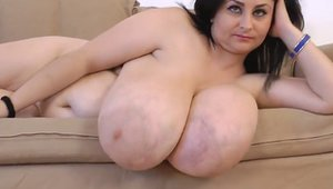 Woman With Natural Big Tit photo 23