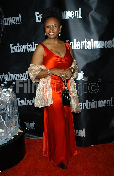 Robin Quivers Breasts photo 20