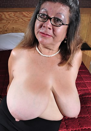 Ugly Women With Huge Tits photo 25