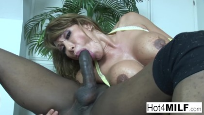 Muscular Lady Bangs Ava Devine And Her Chubby Friend photo 24