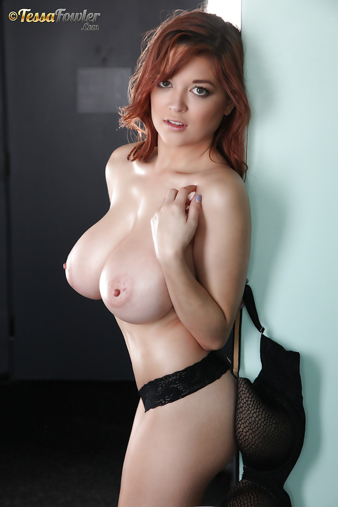 Hot Babe With Big Tits photo 25