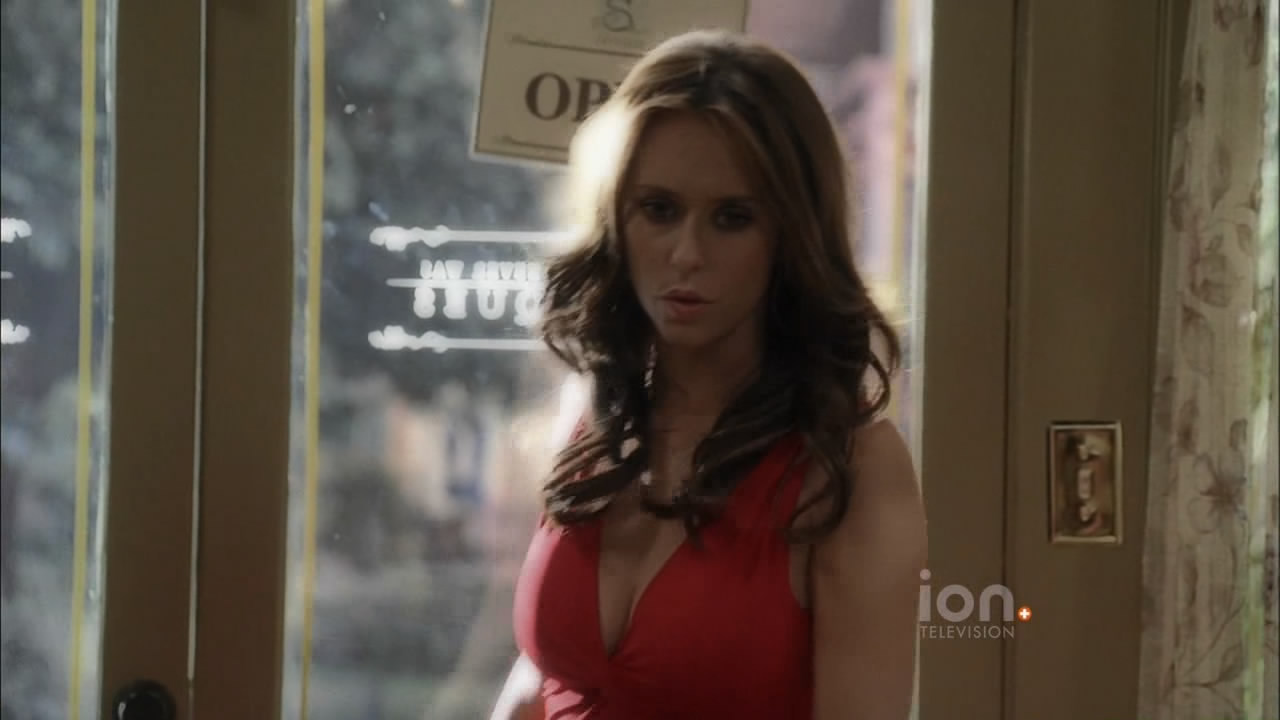 Ghost Whisperer Cleavage photo 1