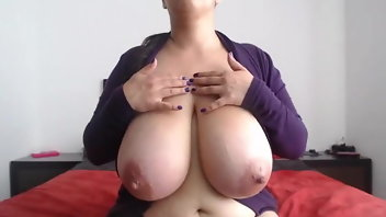 Big Breast With Thick Nipples photo 6