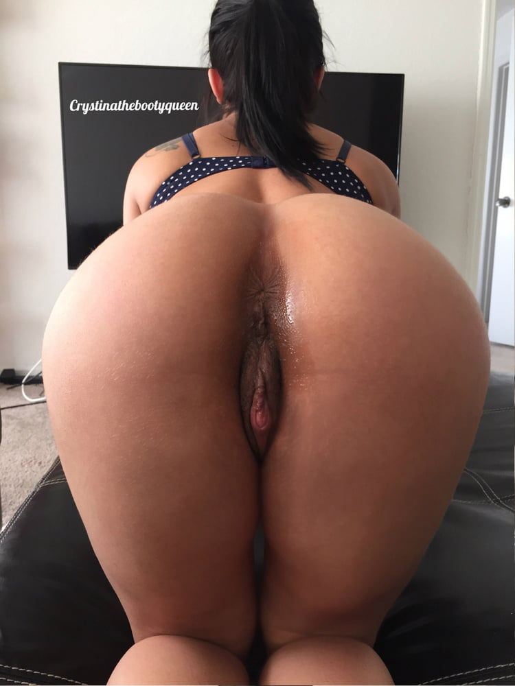 Crystina The Booty Queen Naked photo 3
