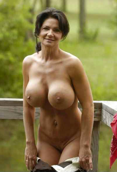 Hot Busty Nude Babes photo 4