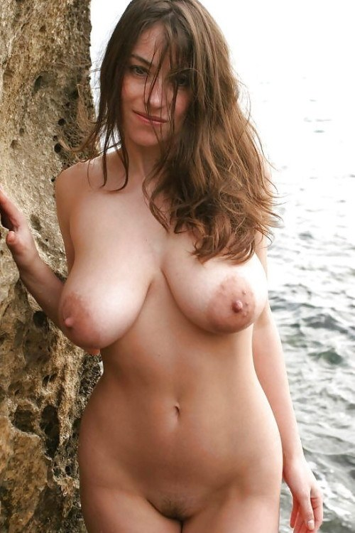 Large Natural Breast Porn photo 1