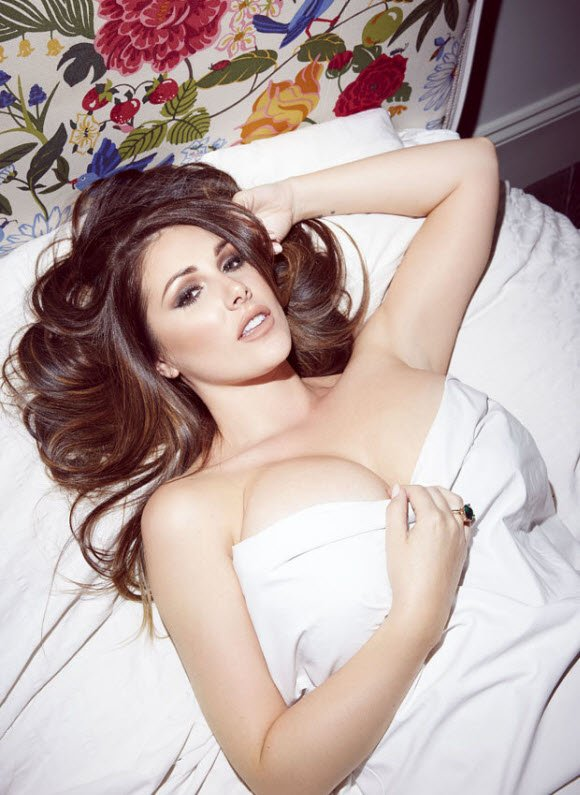 Lucy Pinder Cleavage photo 17