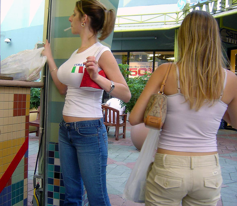 Tits At The Mall photo 8