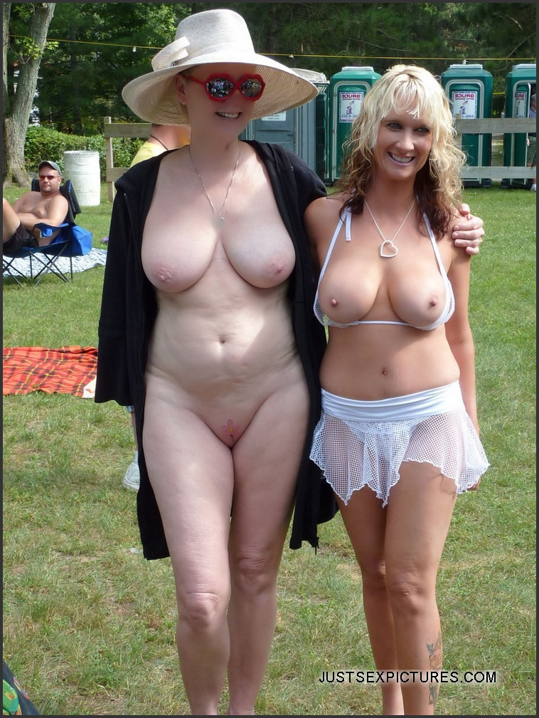 Topless Photo Gallery photo 1