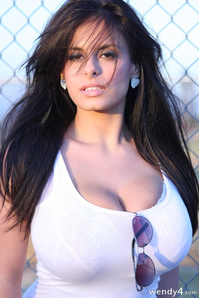 Wendy Fiore Breast Reduction photo 4
