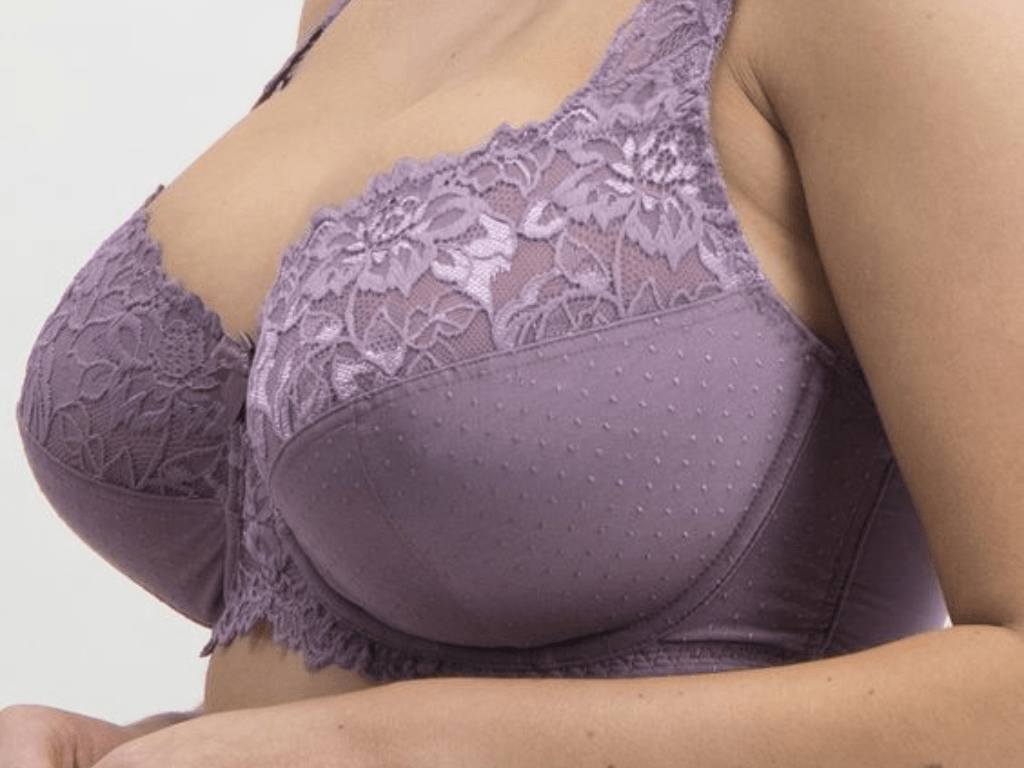 Women With Very Big Breasts photo 13